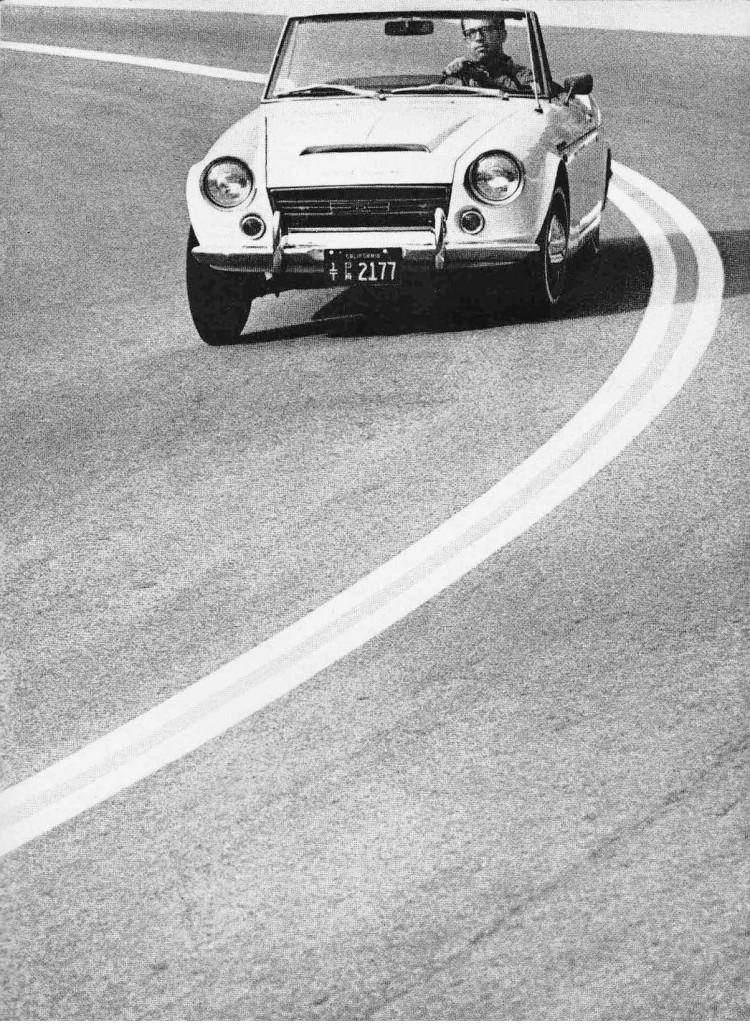 1968_Datsun_2000_3